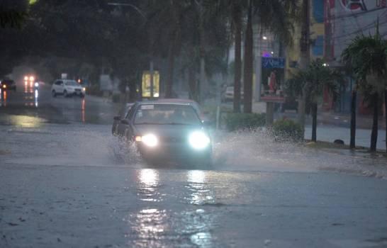 Lluvias continuarán durante las próximas 24 horas
