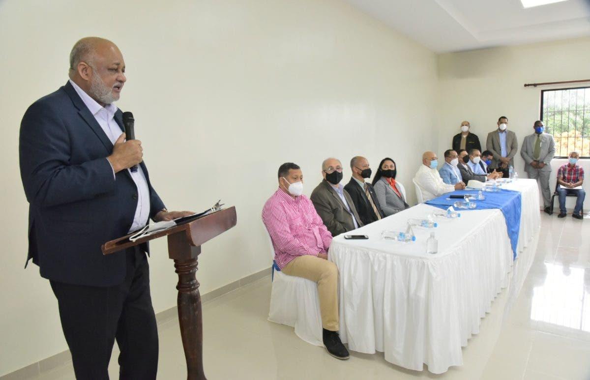 Ministro de Educación anuncia contratación de internet para escuelas