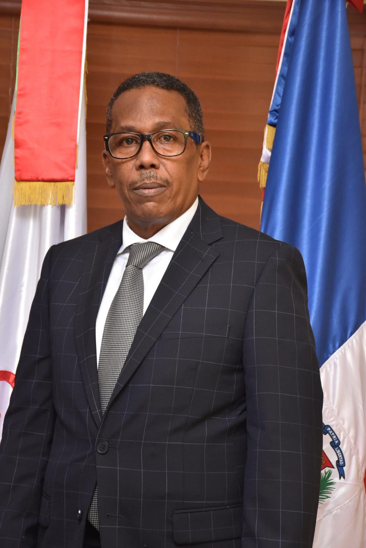 Director de Comedores Económicos entre los quince funcionarios mejor valorados