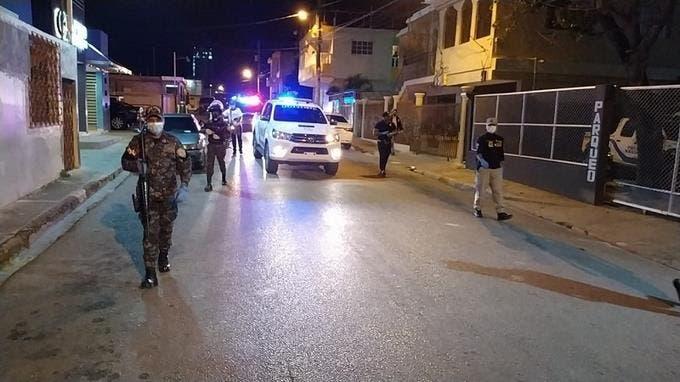 Más de 2000 detenidos por violar toque de queda en noche de Halloween