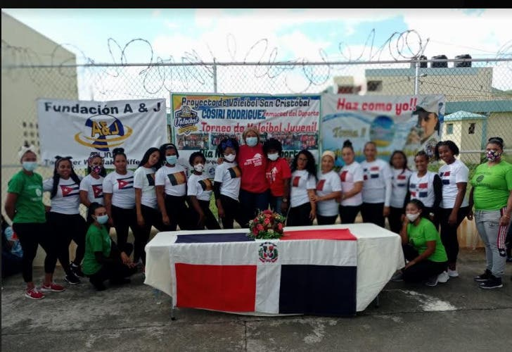 Programa Voleibol de Cosiris Rodríguez se extiende a Internas  San Cristóbal