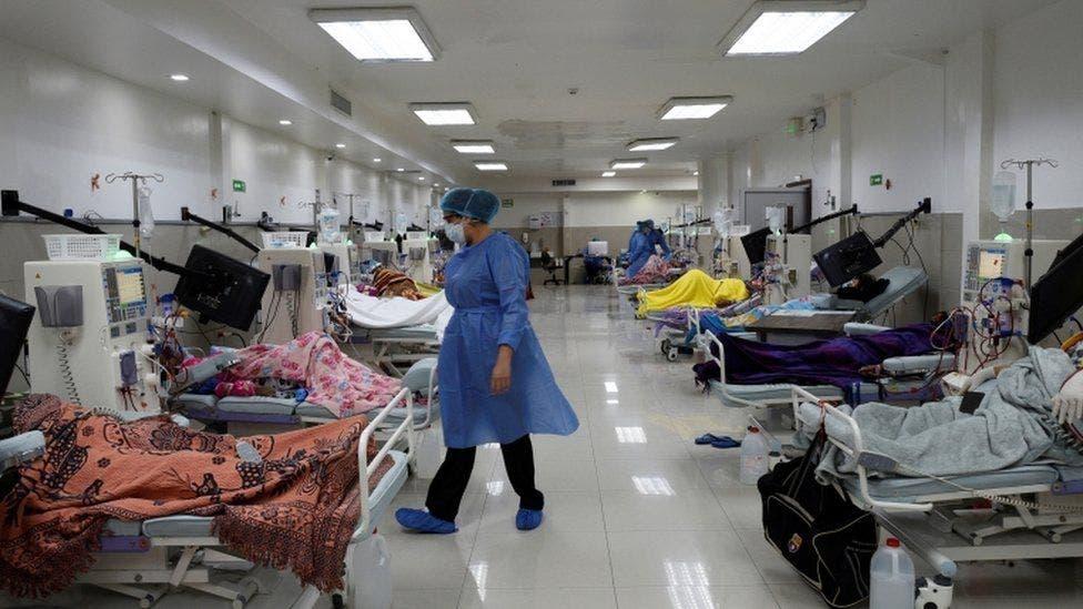 Pese a incremento de covid, hospitales y clínicas de Santiago tienen camas disponibles