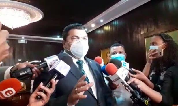 Gobierno ha manejado con improvisación la situación del COVID-19, dice oposición