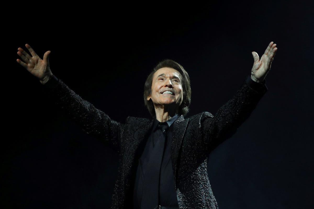 ¡Polémica! Raphael celebra concierto con 5.000 personas pese al COVID-19