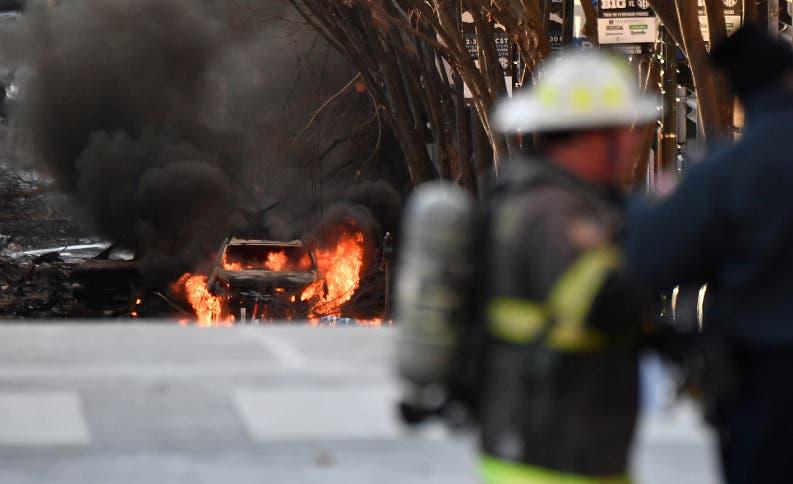 Explosión de Nashville en EE. UU. vino de vehículo avisaba de una bomba