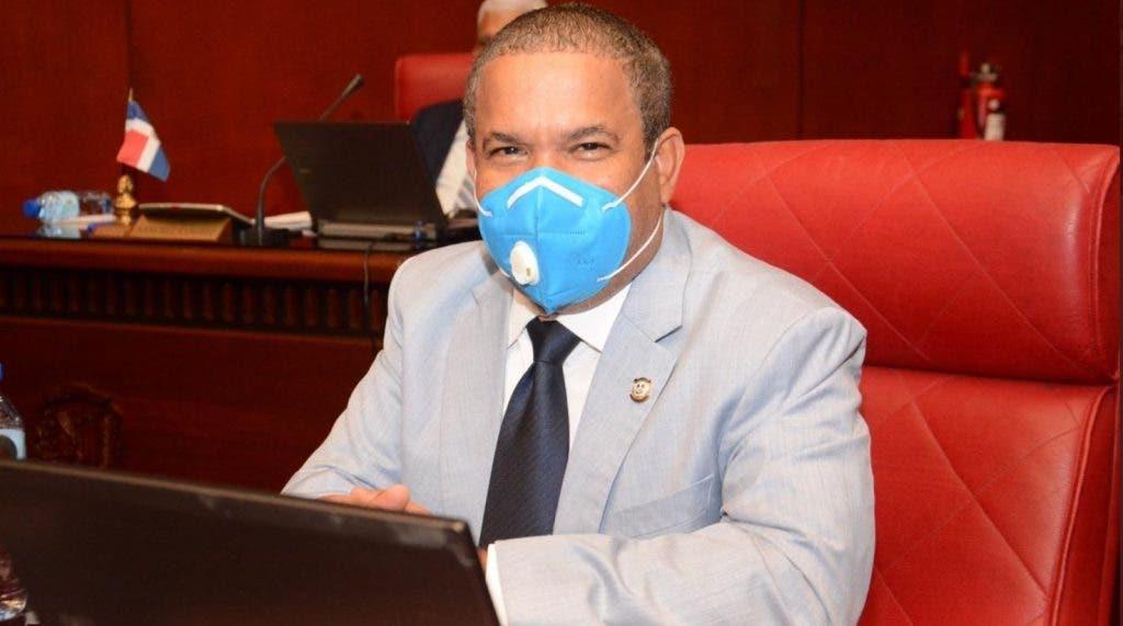 Héctor Acosta: «Apoyo las 3 causales y punto»