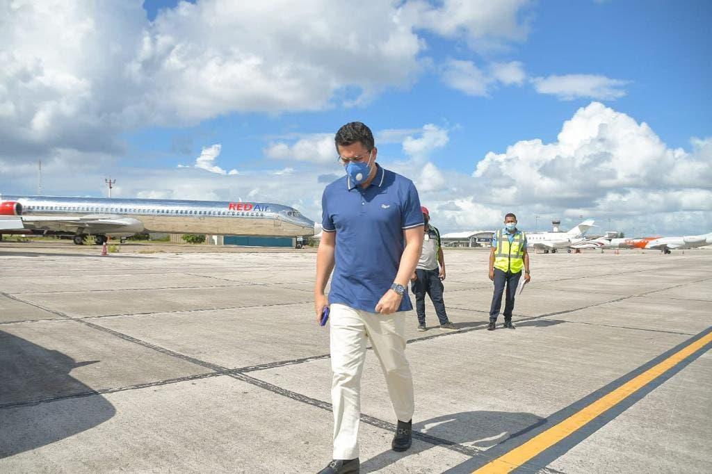 Ministro de Turismo visita AILA para supervisar cumplimiento de medias contra COVID-19
