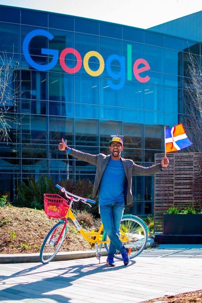 ¡De Constanza para el mundo! La historia de un dominicano que pasó de limpiar baños a trabajar en «Google»