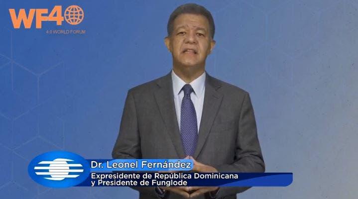 Leonel Fernández participa en «World Forum 4.0»