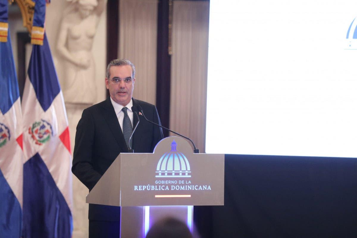 Abinader dice en 2021 solo se discutirá reforma fiscal; aplicación sería para 2022