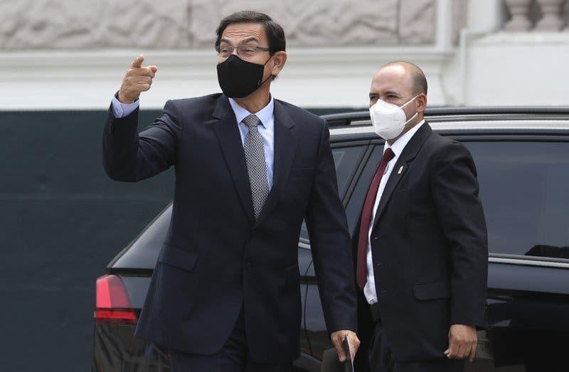 El expresidente de Perú Martín Vizcarra se niega a declarar ante el Parlamento
