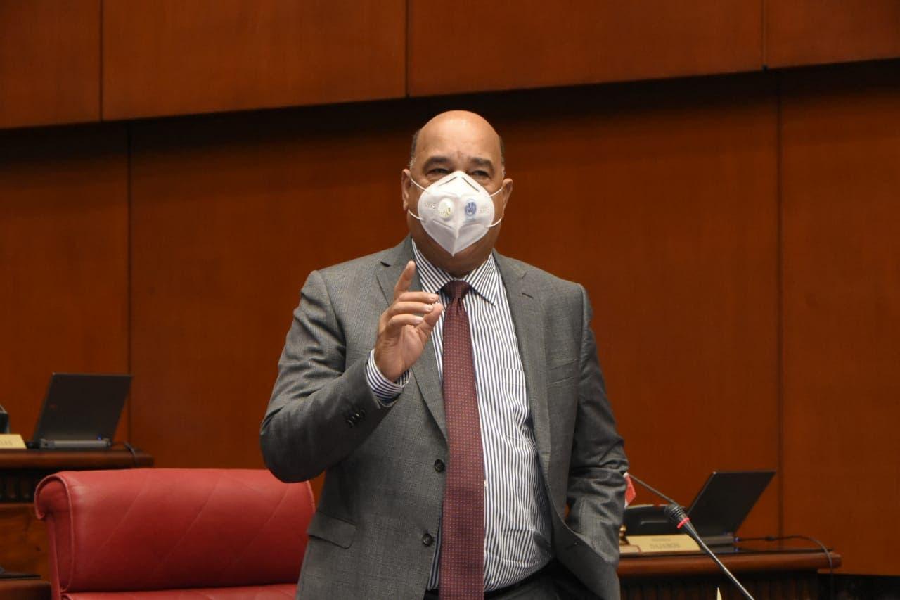 ¡Cállese! Fuerte enfrentamiento entre senadores Bauta y Taveras