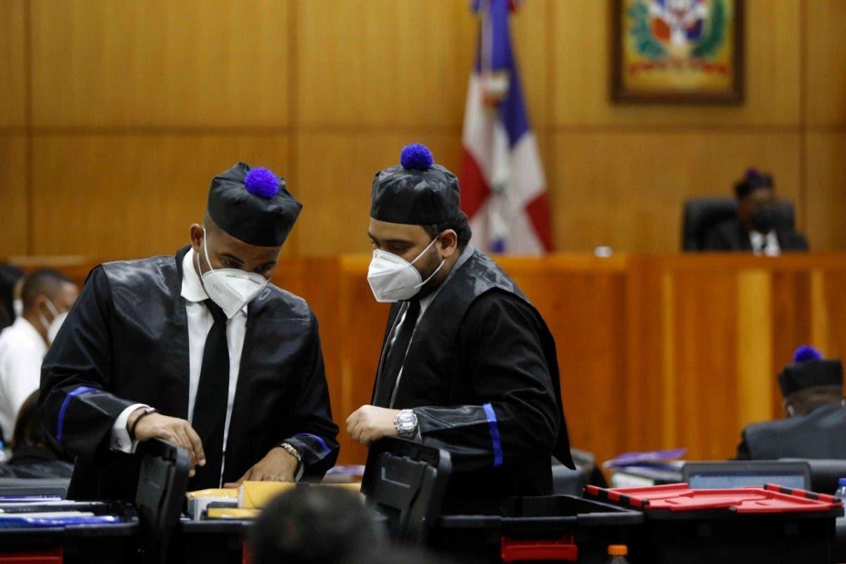 A Julián Suriel Suazo se le ocupó 136 proyectiles, un fusil, dos pistolas, 917 mil 600 dólares y RD$8.5 millones, dice MP