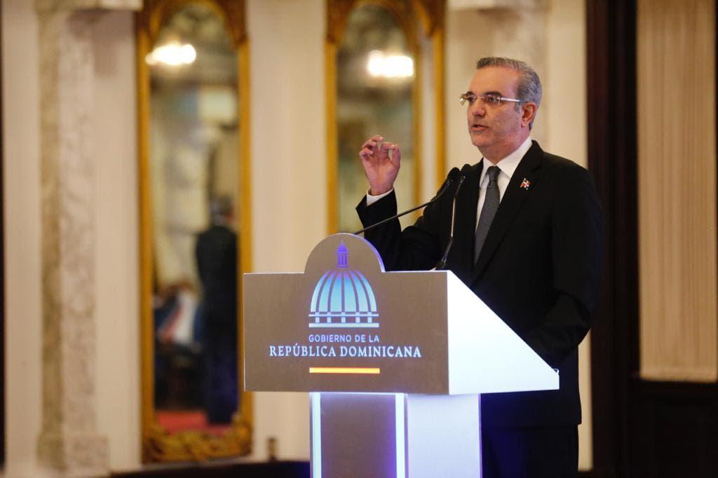 Abinader anuncia contratará abogados para recuperar patrimonio robado por corruptos