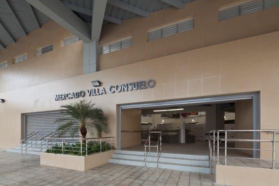 Se hacían pasar como inspectores del Ayuntamiento para estafar a comerciantes en mercado de Villa Consuelo