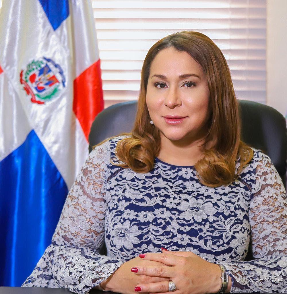 Ministra de la Mujer valora positivo apoyo de presidente Abinader a las tres causales