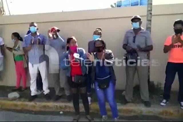 Familiares de joven supuestamente herido de bala por patrulla policial piden justicia
