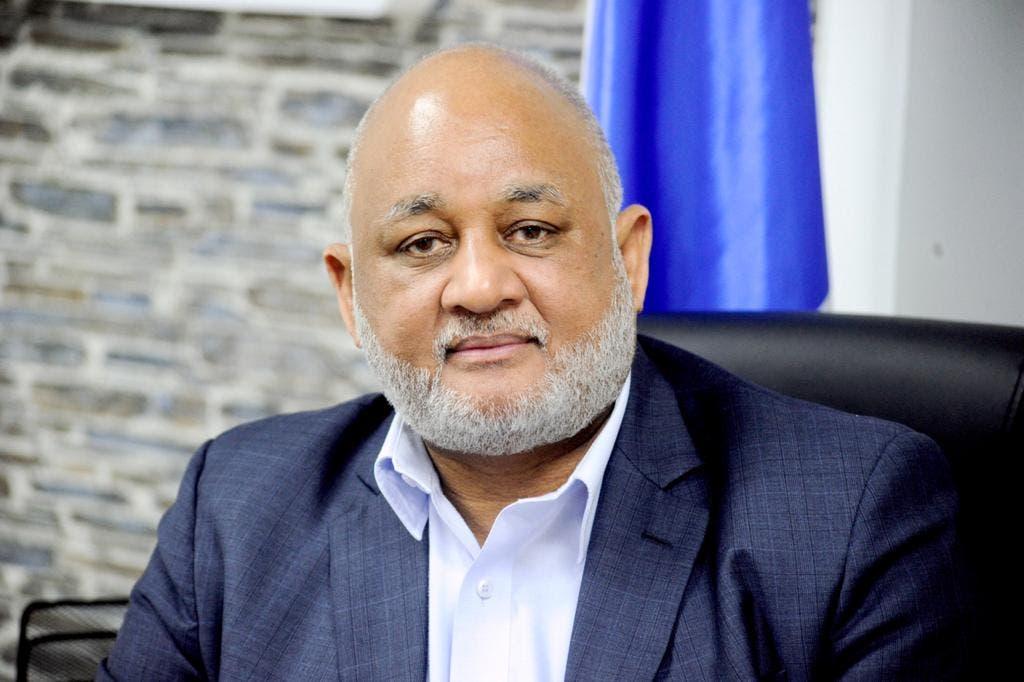 El ministro de Educación, Roberto Fulcar está positivo al COVID-19