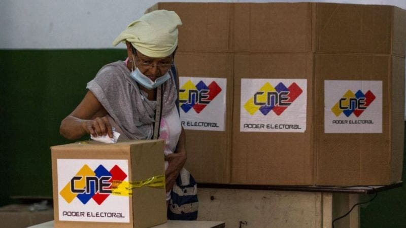 Qué ganan y pierden el gobierno y la oposición de Venezuela con las elecciones parlamentarias