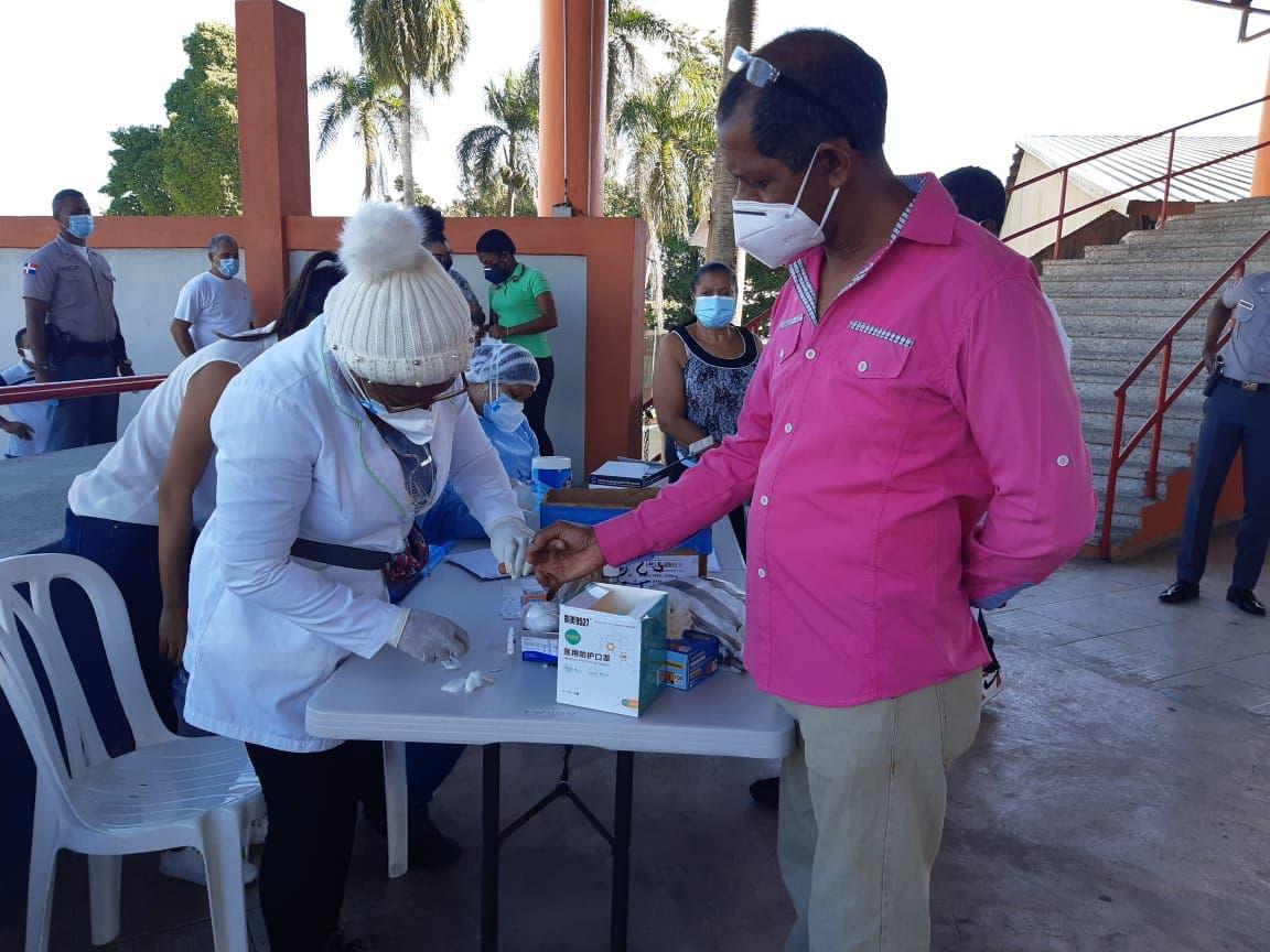 Hospital Santo Socorro realiza pruebas rápidas a residentes en Cristo Rey