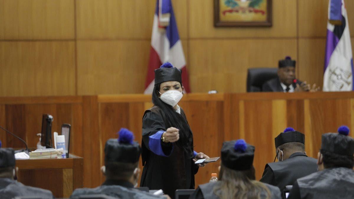 Jurista afirma que juez Alejandro Vargas debió inhibirse de caso antipulpo y que Yeni Berenice pudo ser recusada