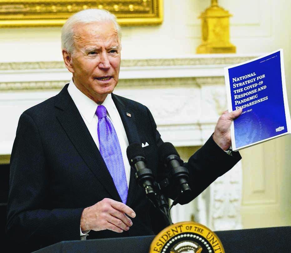 """Biden urge al Senado a aprobar rescate para aliviar """"sufrimiento"""" por covid"""