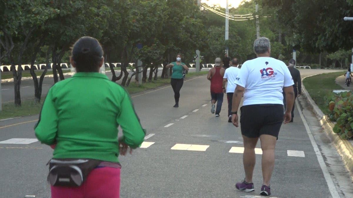 Las personas podrán hacer ejercicios en parques y malecones