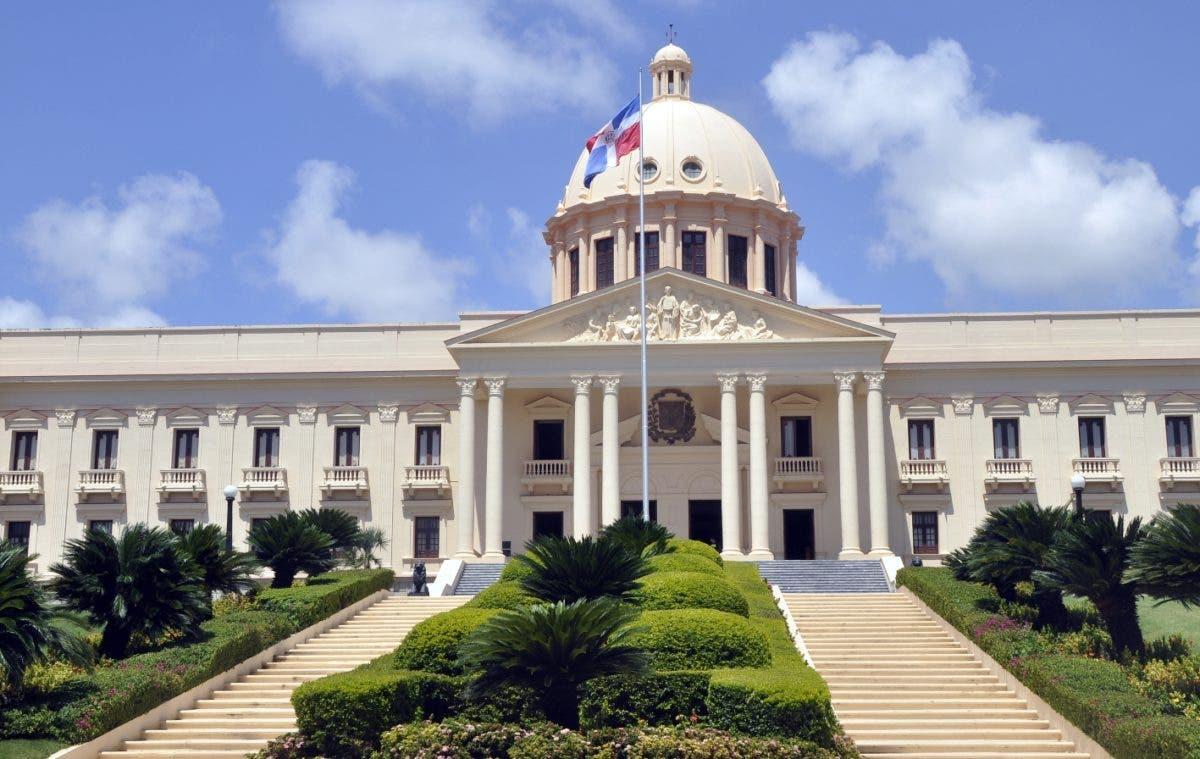 Decreto: Poder Ejecutivo disuelve Comisión Presidencial de Política Farmacéutica Nacional