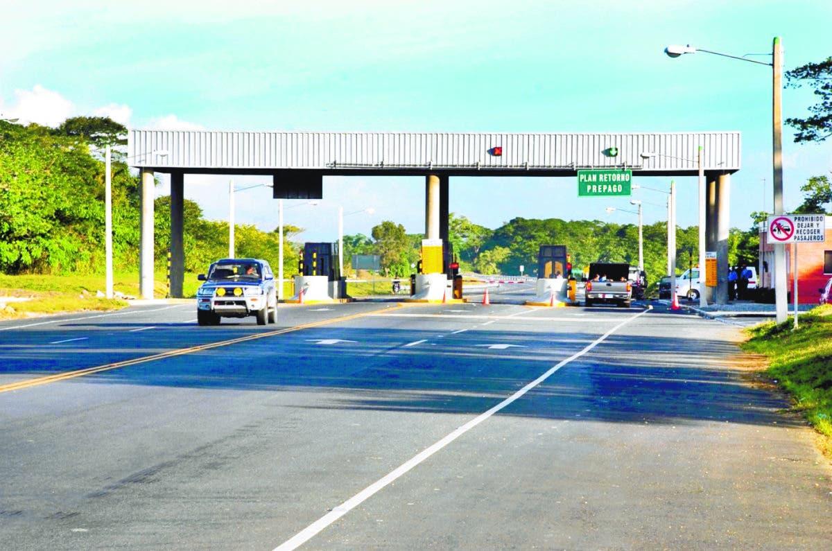 Deligne Ascensión asegura que están a la puerta solución del peaje sombra autopista de Samaná.