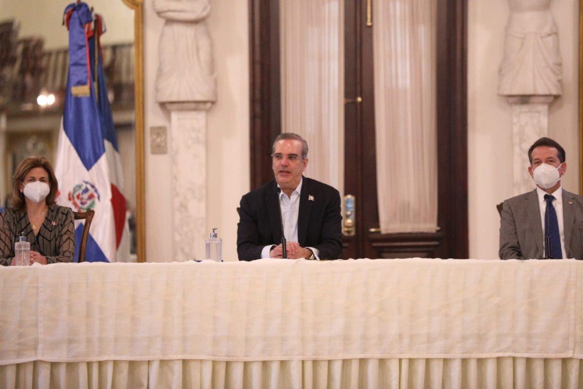 Luis Abinader explica incremento reportes de muertos por covid-19