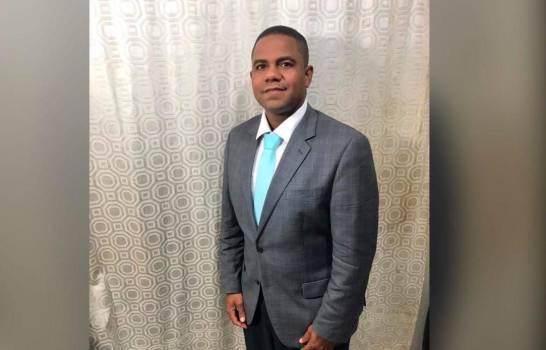 Suspendido funcionario de Aduanas niega acusaciones de abuso sexual en su contra