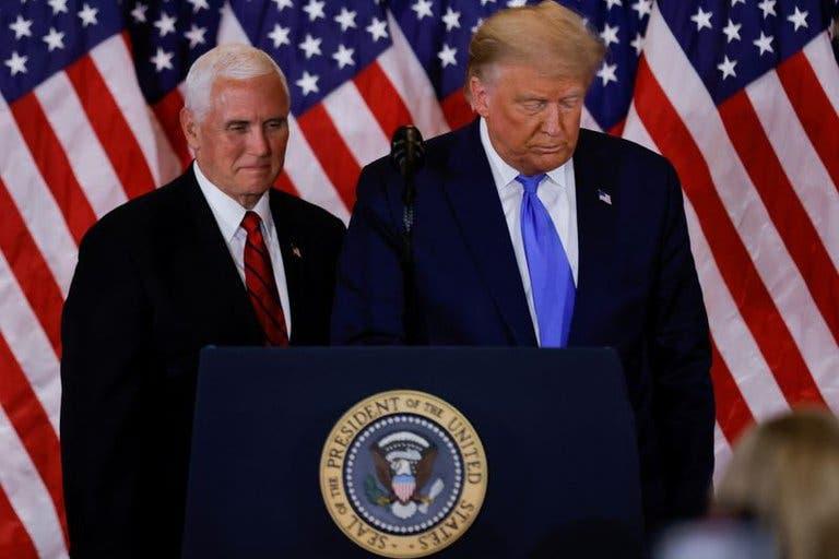 Donald Trump y Mike Pence se reunieron en la Casa Blanca y quedó descartada la invocación de la Enmienda 25