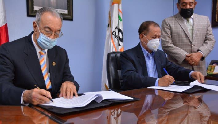 FEDA y el Clúster del Coco firman acuerdo para industrializar madera