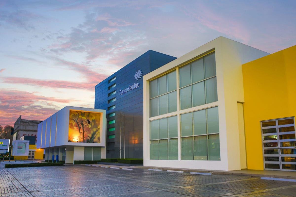 Crecimiento demanda servicios financieros en SDO; Banco Caribe abre sucursal en este municipio