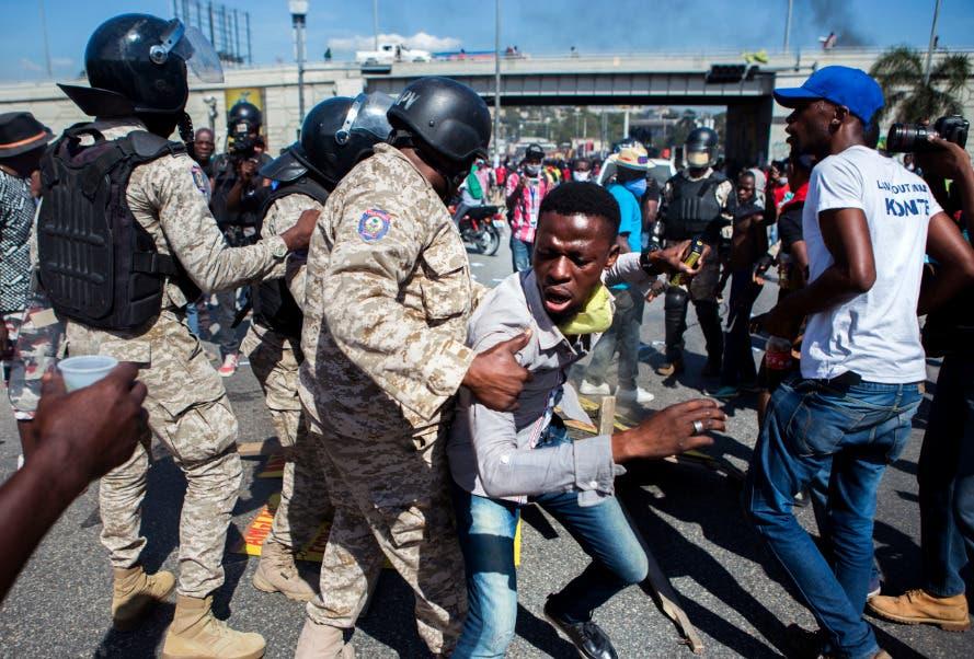 Miles de haitianos piden la renuncia del presidente Jovenel Moise