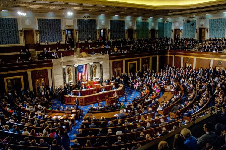"""«¡Sí se puede!"""", el alarido de cientos de migrantes ante el Congreso de EEUU"""