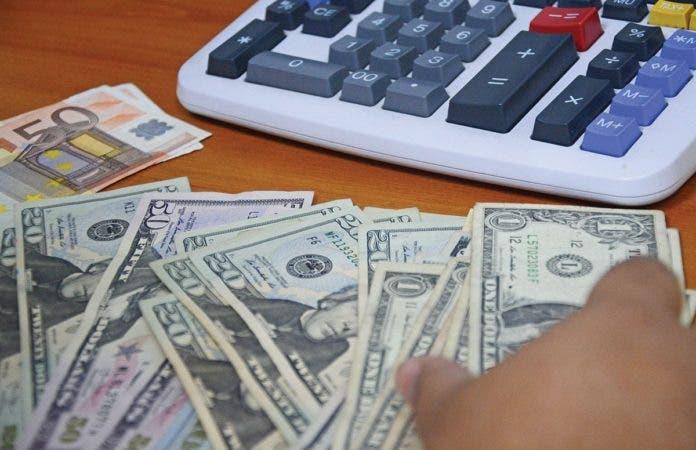 Cónsul dominicano en NY propone impuesto 0.01% a las remesas