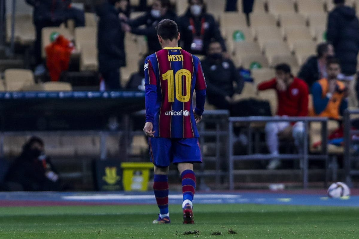 Dos partidos de sanción a Lionel Messi por golpear a rival