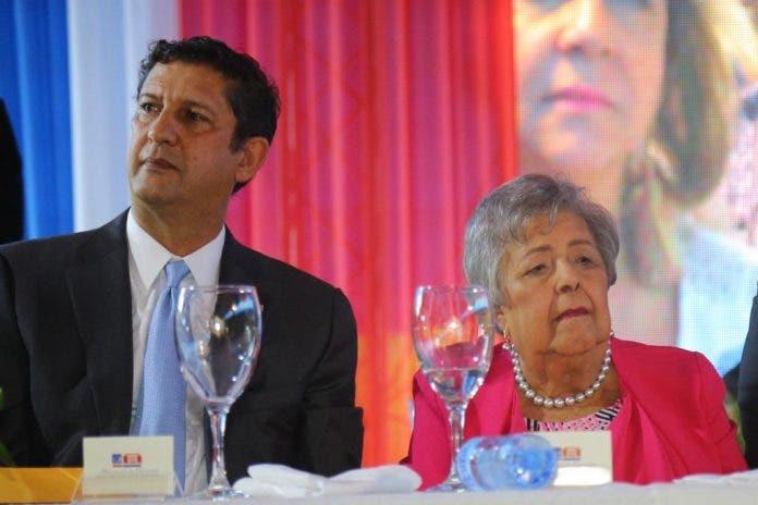 Muere madre del empresario Manuel Estrella