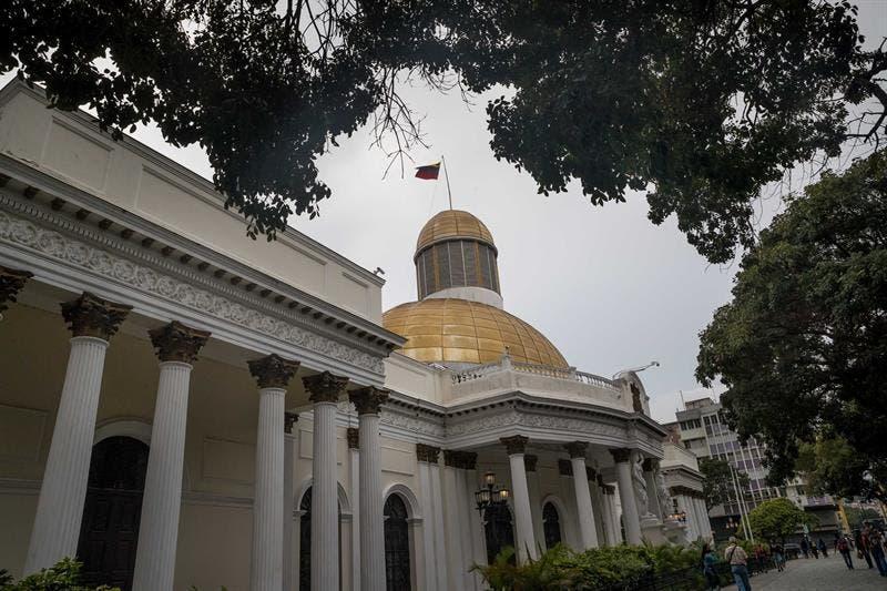 El chavismo retomará el control del Parlamento que Guaidó se niega a ceder