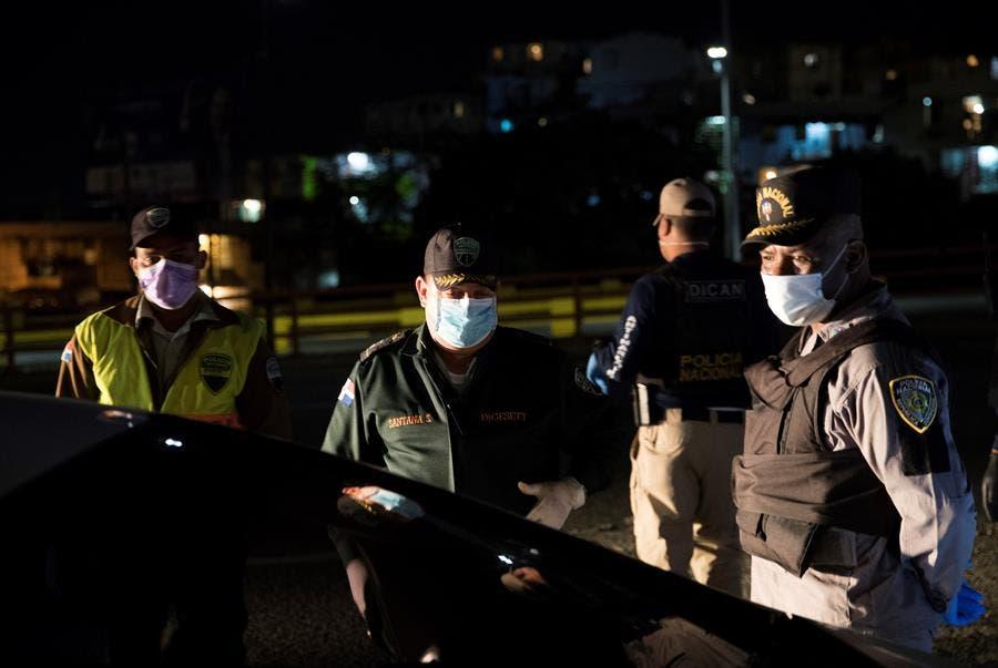 Por violar toque de queda, Policía  apresa 1225 personas