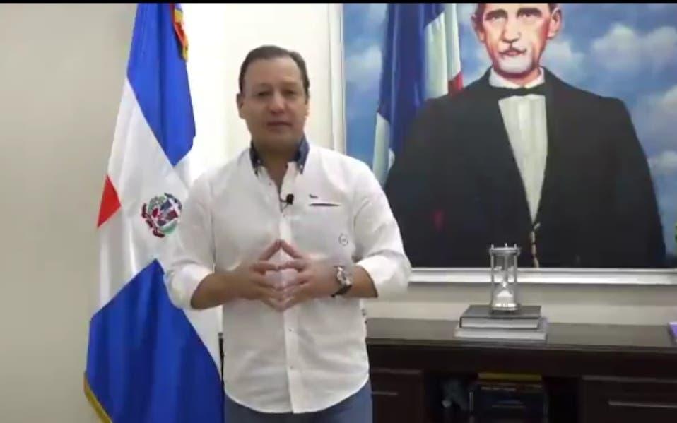 Abel Martínez se defiende sobre irregularidades en alcaldía de Santiago