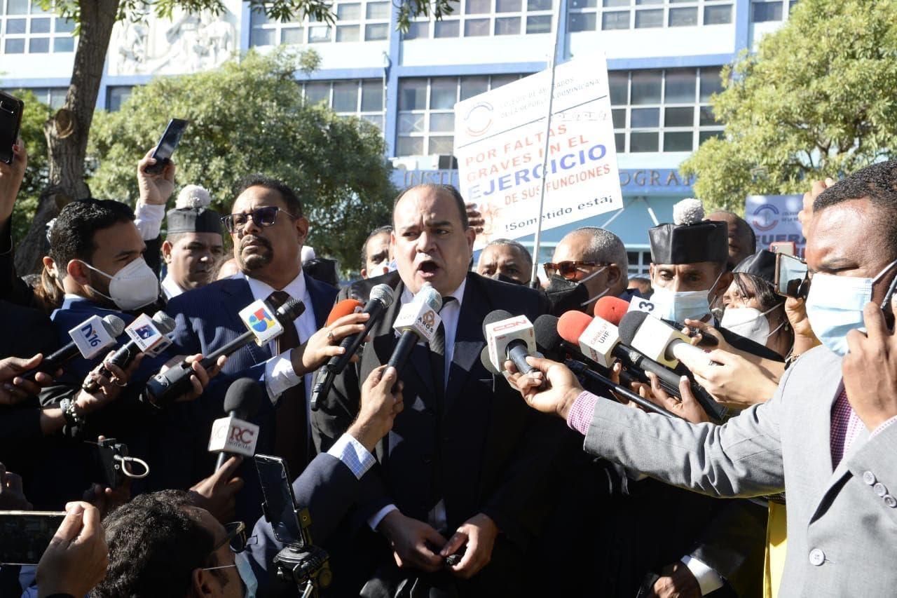 Abogados protestan frente a la SCJ en el Día del Poder Judicial