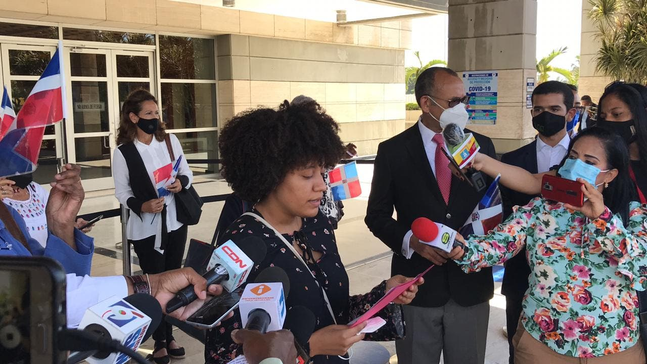Grupos sociales apoyan gestión de la PGR ante casos de corrupción; afirman se mantendrán vigilantes