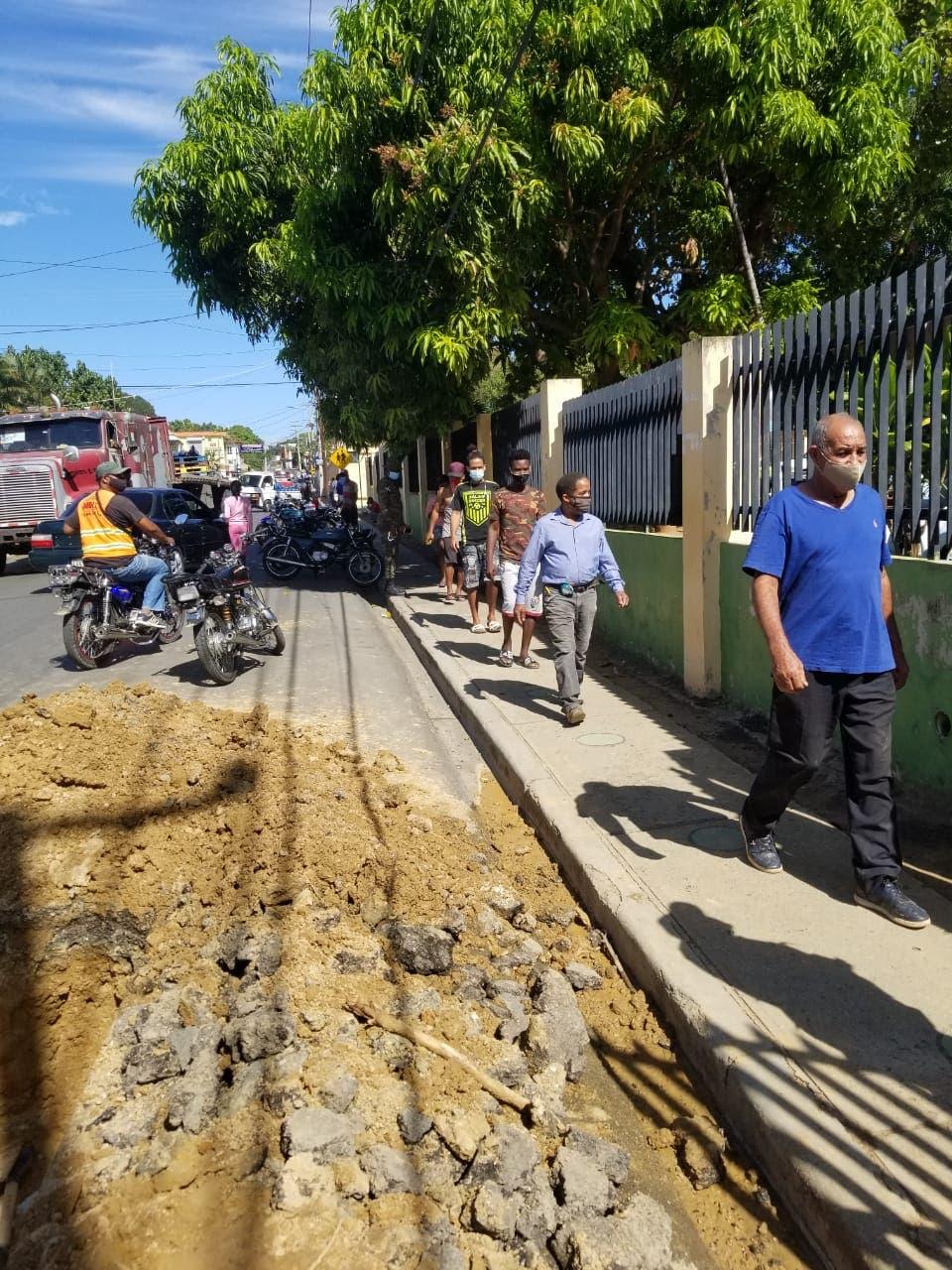 Comedores Económicos desmienten venta de comida y explican aglomeración en Santiago Rodríguez