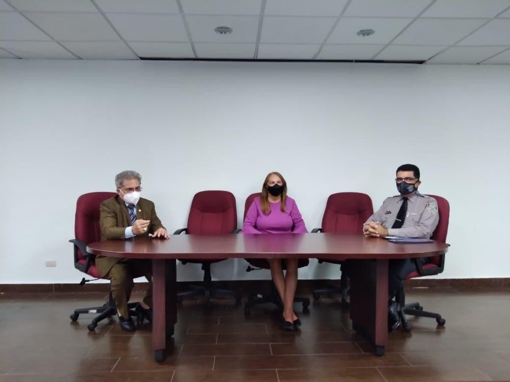 Colegio Médico no ve justificación en salud para Gobierno flexibilizara medidas anti-covid
