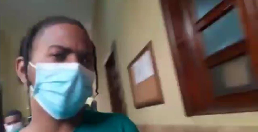 Solicitan coerción contra el cantante de «Dale teteo» por presuntamente estafar a Ricardo Montaner