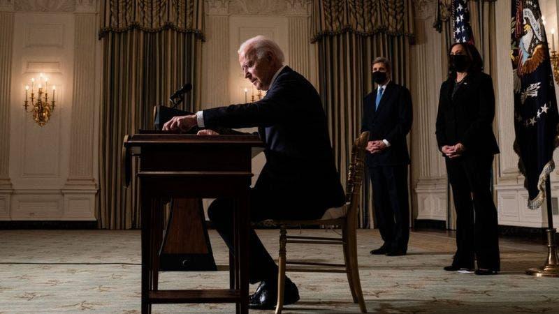 La avalancha sin precedentes de decretos de Biden (y por qué genera polémica)