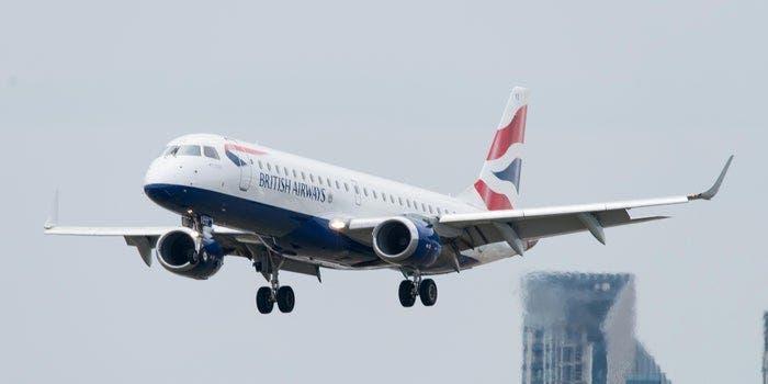 El Reino Unido veta los vuelos desde Portugal y 14 países de Sudamérica por nueva cepa