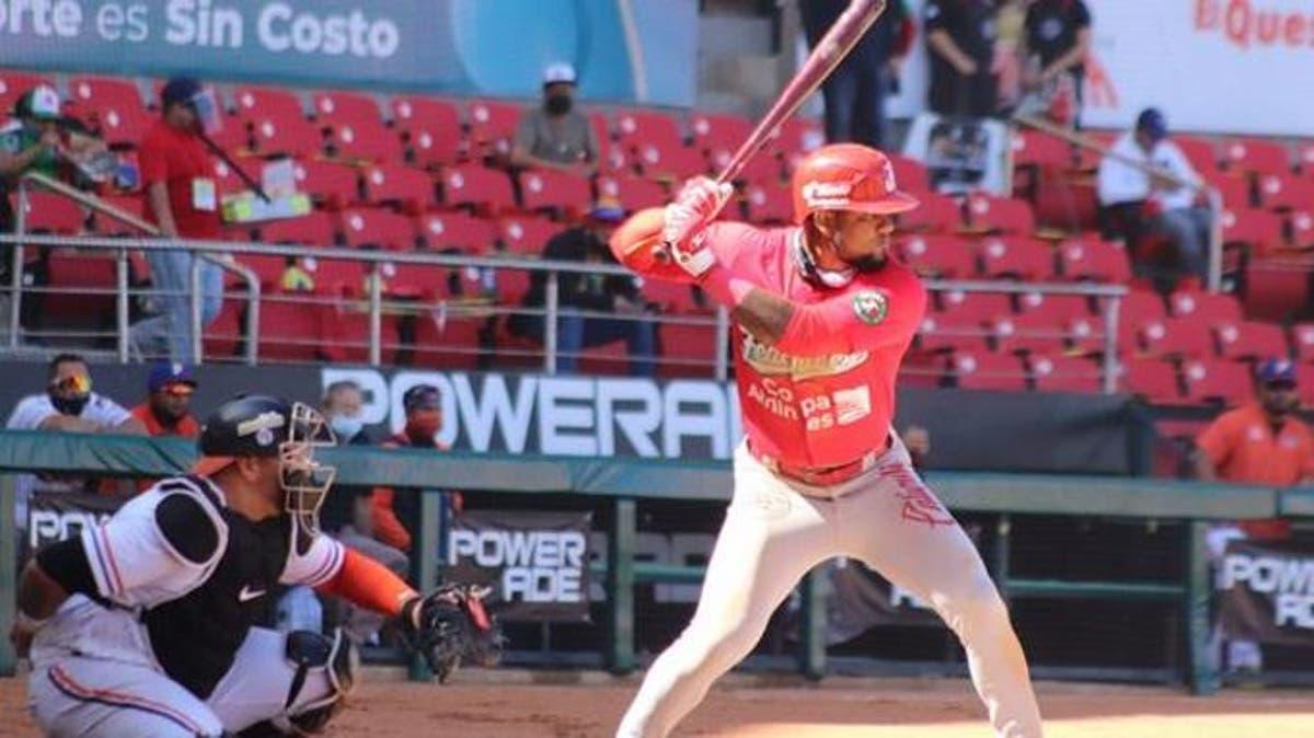 Héctor Gómez batea dos dobles en el triunfo de Panamá